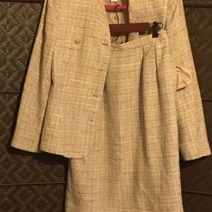 SOLDSaville ladies 2pc skirt/jacket suit.  Sz 10